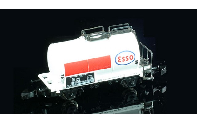 Marklin Tank car ESSO 8612