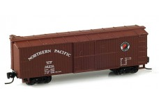 Micro-Trains 40' double sheathed wood boxcar - single door 13901-2