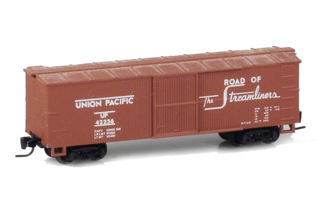 Micro-Trains 40' wood sheathed boxcar 13902-2