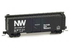 Micro-Trains 40' standard box car with plug door 14910-2