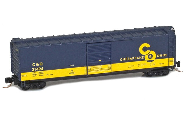 Micro-Trains 50' standard boxcar with single door - Cameo #5 50500426