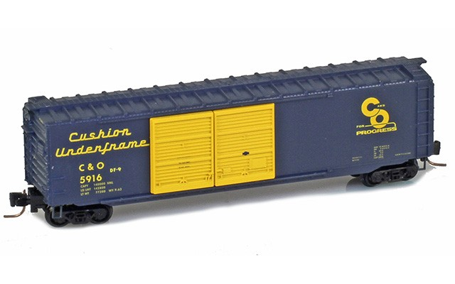 Micro-Trains 50' Double door boxcar 50600391
