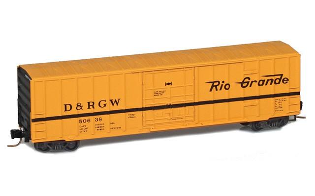 Micro-Trains 50' rib side boxcar with plug door 51100292