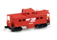 Micro-Trains Center cupola caboose 53500360