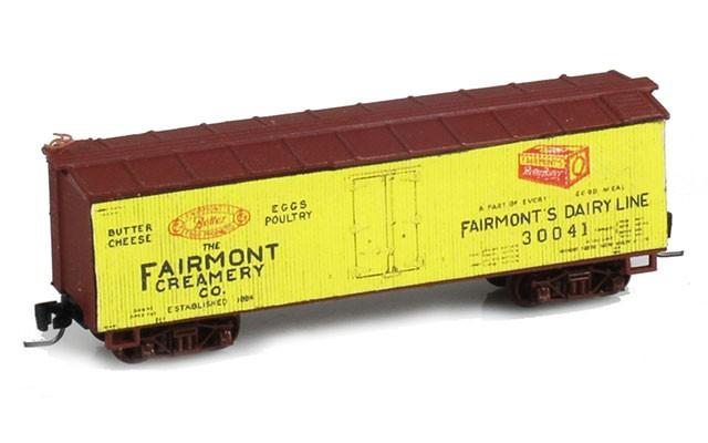 Micro-Trains 40' Double-Sheathed Wood Box Car, Single Door JW10497