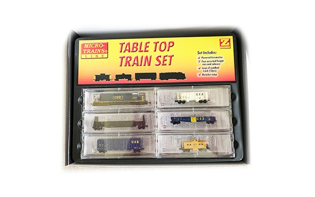 Micro-Trains SD40-2 Starter Set with Ztrack Snail controller 99403645